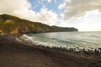 Azory: czarna plaża w Mosteiros